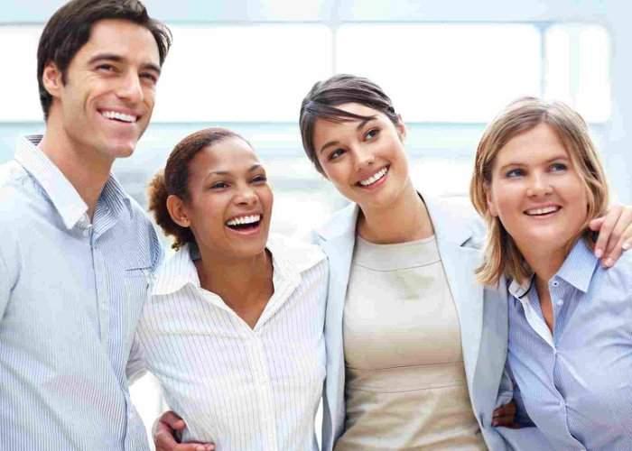 Avem şi motive să zâmbim! Românii au în total 600 de milioane de dinţi
