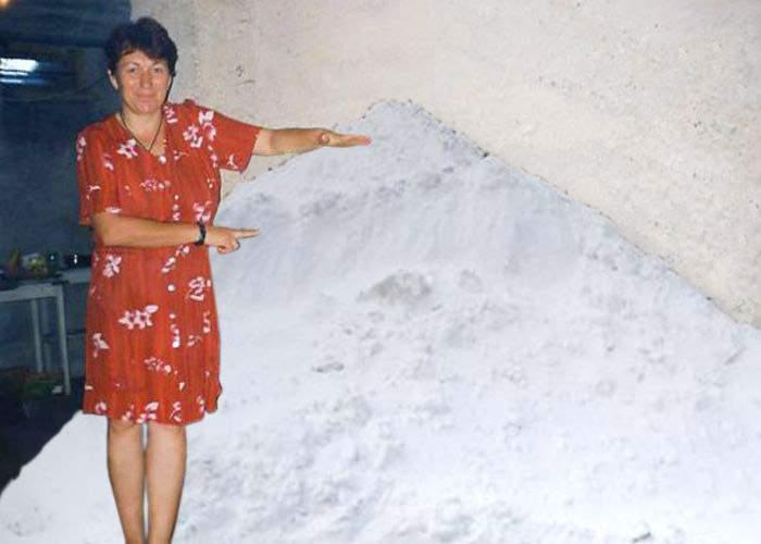 Românii prevăzători au în cămară zăpadă de iarna trecută