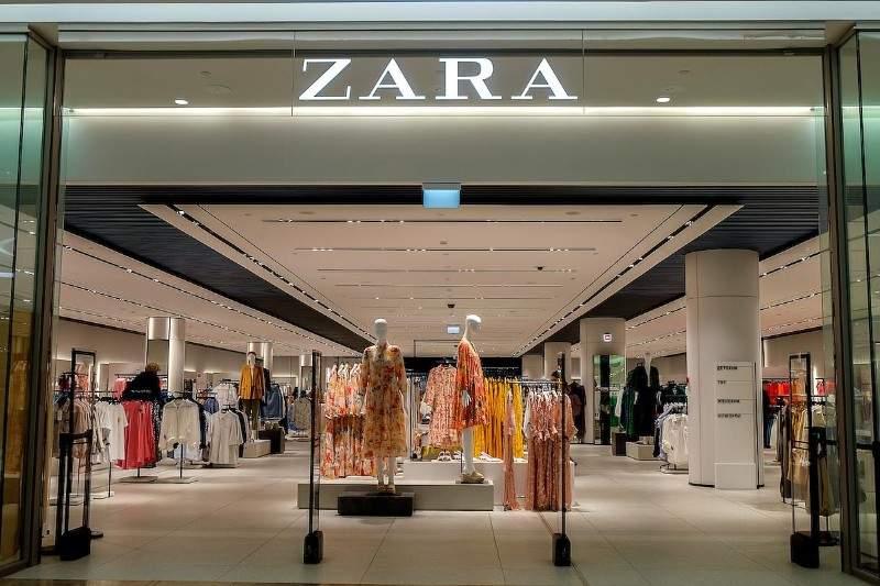 Complexul Europa se închide, că Zara şi H&M vând mai ieftin chinezăriile alea