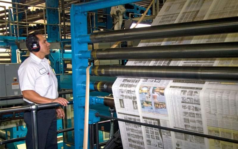 Zeci de ziare ar putea reveni în print după epuizarea stocurilor de hârtie igienică