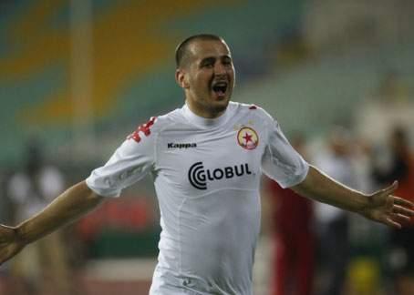 Scandal înainte de meciul cu Steaua: Zicu a fugit din cantonament ca să mănânce la McDonalds