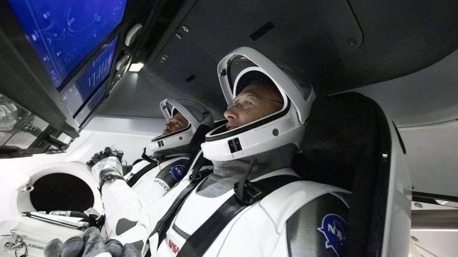 Șoc la deschiderea capsulei Space X! Niciunul din cei doi astronauți nu era dac