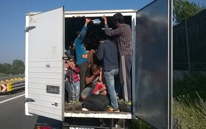 Nu se lasă! Românii plătesc călăuze care să-i treacă ilegal granița la greci
