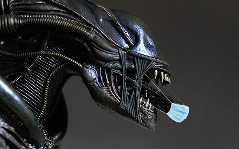 Dilemă galactică: Alien ar trebui să poarte mască și pe gura aia mică dinăuntru?