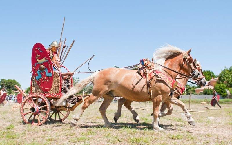 Arheolog: Carul de luptă al lui Decebal nu avea ITP și era înmatriculat pe Italia!
