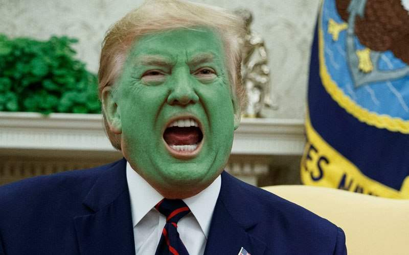E oficial ce vine după portocaliu! Trump a ieşit la soare şi s-a făcut vernil