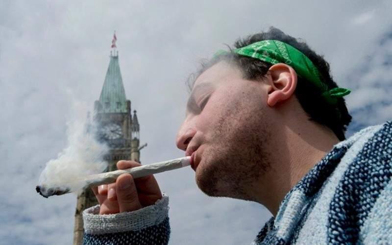Românii cer legalizarea drogurilor ușoare, ca să nu-și mai rupă spatele cu alea grele