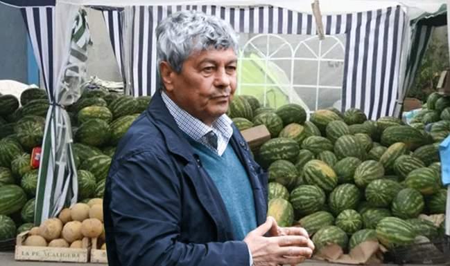 Mircea Lucescu se laudă că el descoperă primul cel mai dulce pepene din grămadă