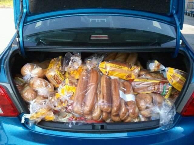 În medie, românii care îşi fac concediul în Secuime cară după ei 2 valize de pâine