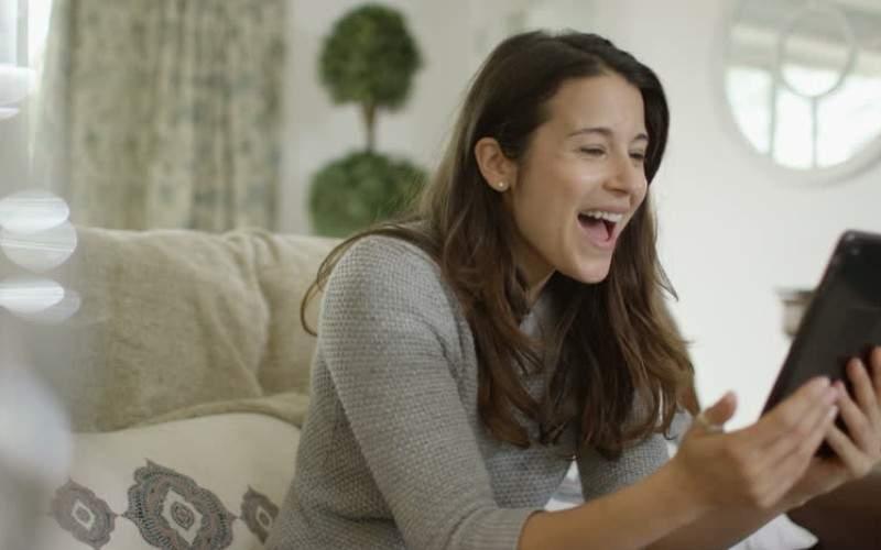 Vodafone permite acum să bagi și dedicații muzicale cât stai pe hold