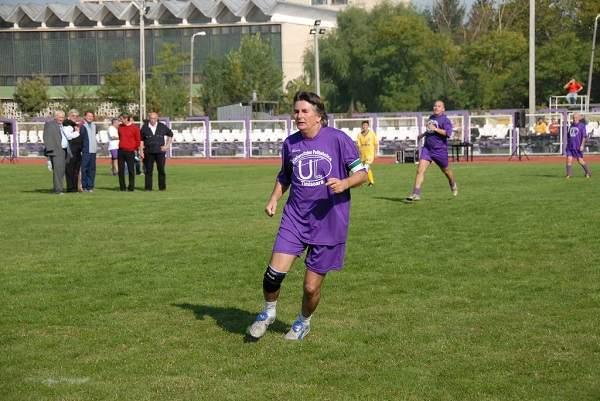 Acum c-a pierdut primăria Timișoarei, Robu va juca atacant la Dinamo