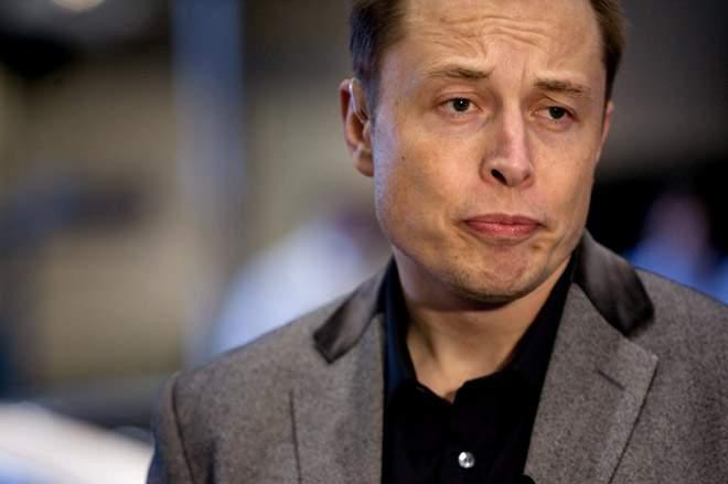 Acţiunile Tesla au scăzut cu 75% după ce a circulat iar zvonul că Tesla era român