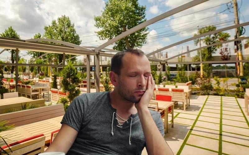 Un român neatent a rămas ultimul pe litoral și s-a trezit cu 174 de note de plată