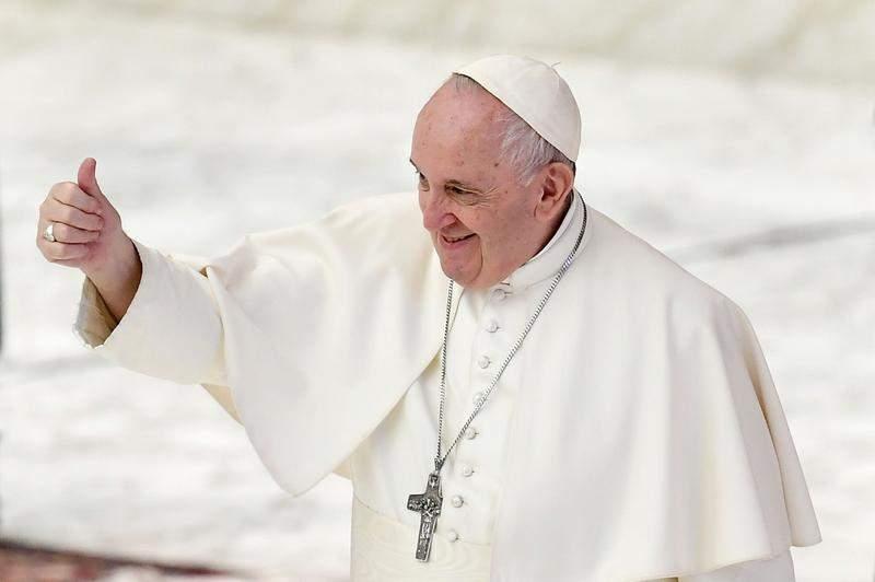 10 reacții după anunțul Papei că susține parteneriatul civil pentru persoane de același sex