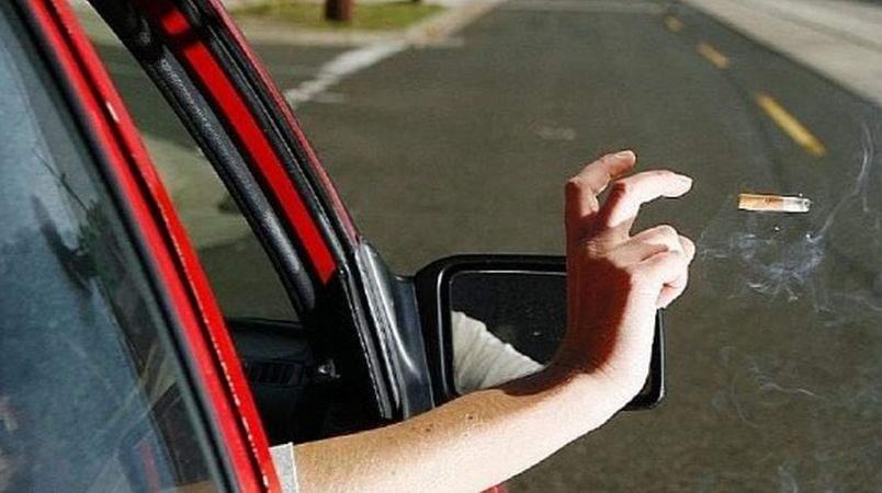 Un șofer a aruncat un chiștoc pe geam și doi polițiști s-au bătut pe el