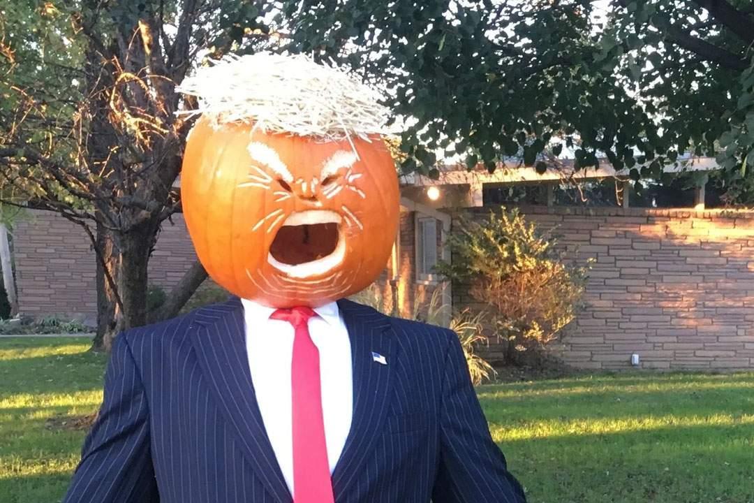 SUA au cioplit deja dovleacul de Halloween, să aibă o sosie în caz că moare Trump