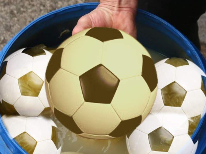 Pieţele se închid. În loc de varză, românii pun la murat mingi de fotbal de la Decathlon