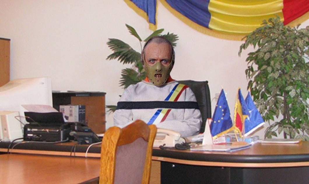 Primarul din Mediaș, Hannibal Lefter, acuzat că poartă o mască neconformă
