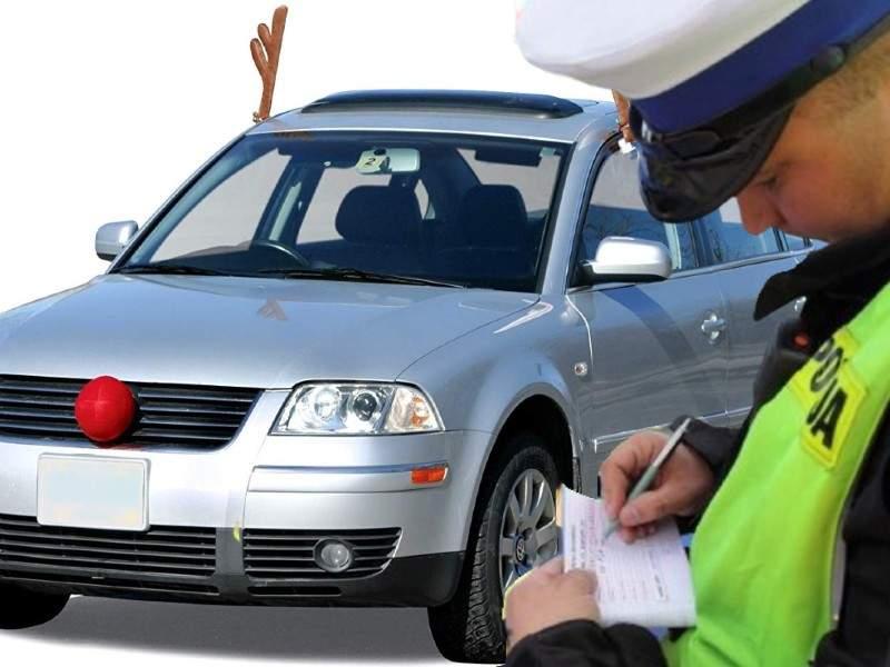 Șofer, amendat că renul de pe mașină nu purta mască pe nas
