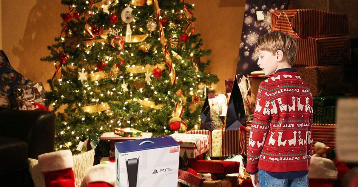 Cel mai sadic cadou. Un copil a primit un pulover într-o cutie de PS5