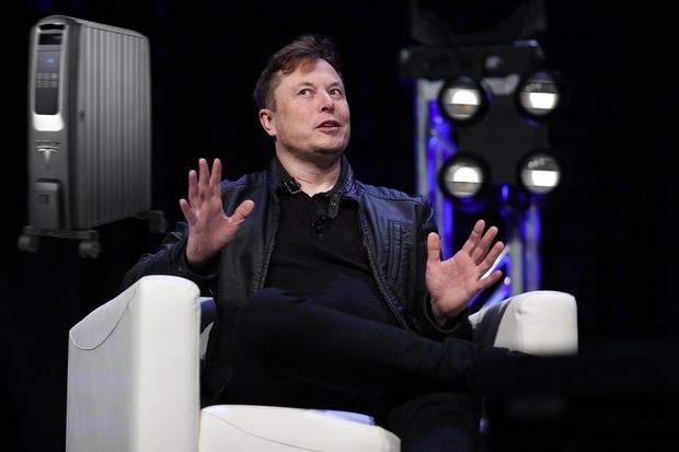 Tesla dă lovitura în București! Va vinde nu mașini, ci calorifere electrice