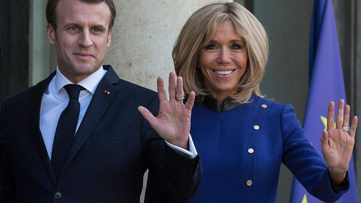 Macron are Covid și a trimis-o pe a' bătrână la azil, ca să n-o infecteze