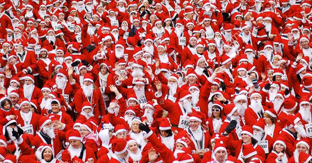 Un proxenet a răpit zeci de bărboși și i-a obligat să fie Moș Crăciun în Germania