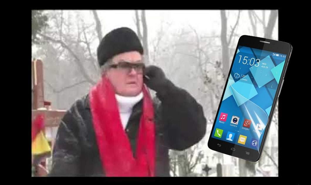 Telefonul lui Vadim Tudor din celebrul clip cu Marian, scos la licitaţie cu 15.000 de euro