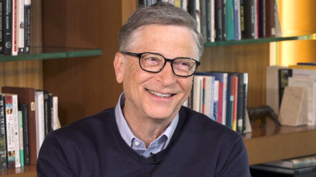 De Sf. Ciprian, Bill Gates le-a urat sănătate tuturor românilor cu cip