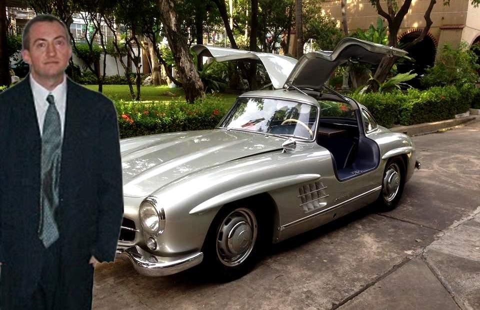 Mașina lui Țiriac, vandalizată. Un sărac s-a pozat lângă ea și i-a scăzut valoarea