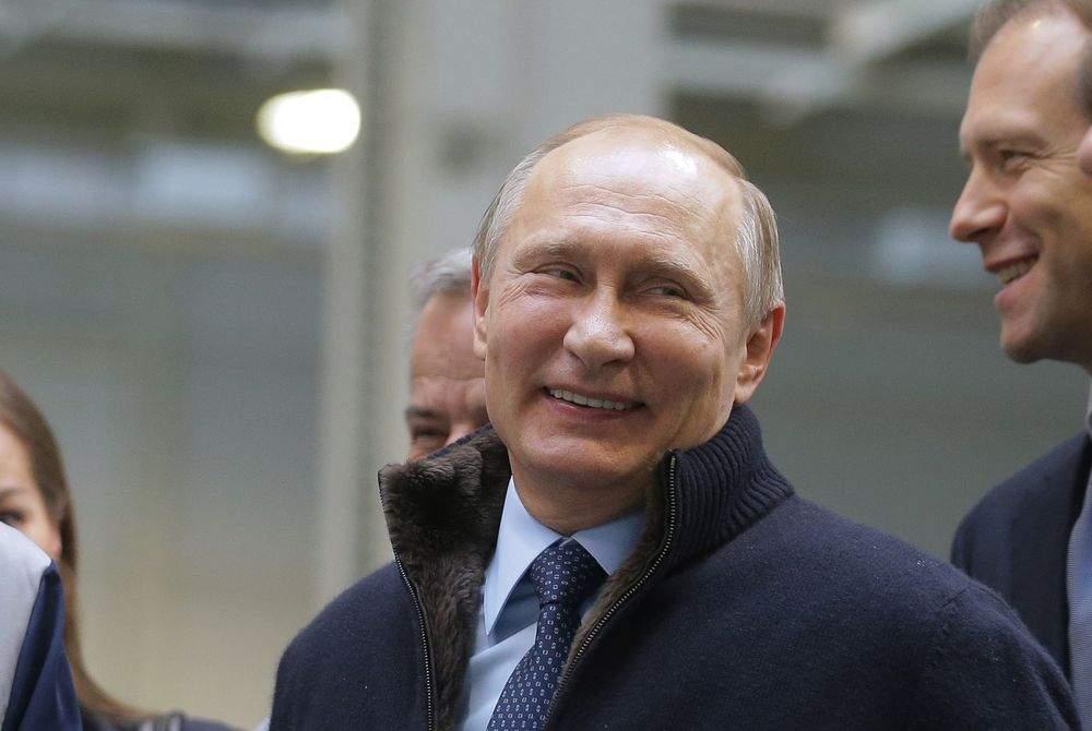 Putin spune că-l va elibera pe Navalnîi imediat după ce returnează tezaurul României