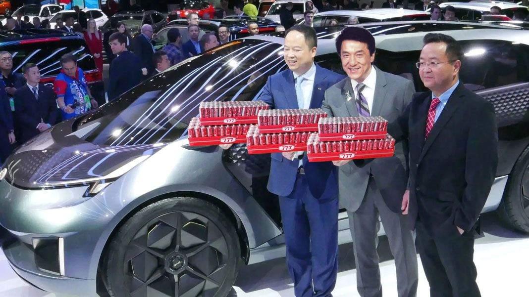 Chinezii au lansat o mașină electrică care merge cu 777 de baterii 777