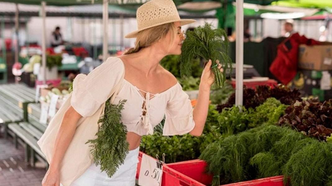 7 tone de păr de pe cur, vândute ca mărar în pieţele din Bucureşti
