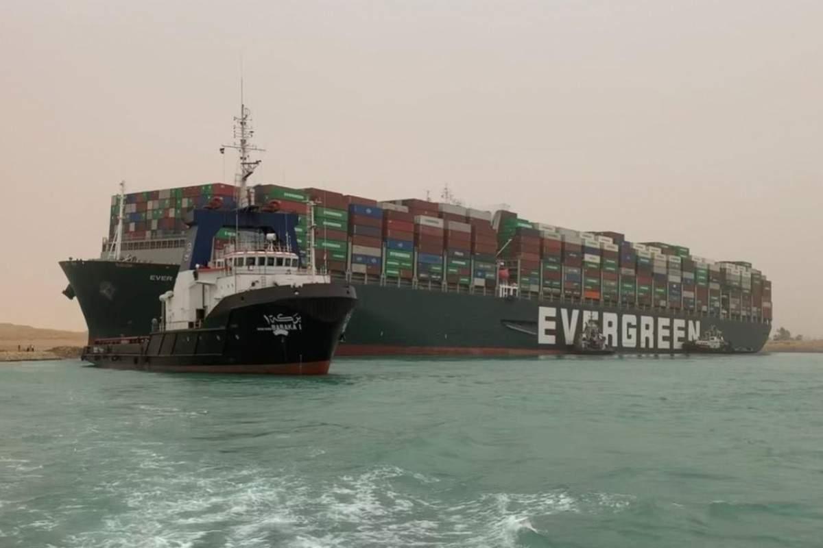 Canalul Suez, desfundat. Vom avea pepeni de Dăbuleni în pieţe la vară