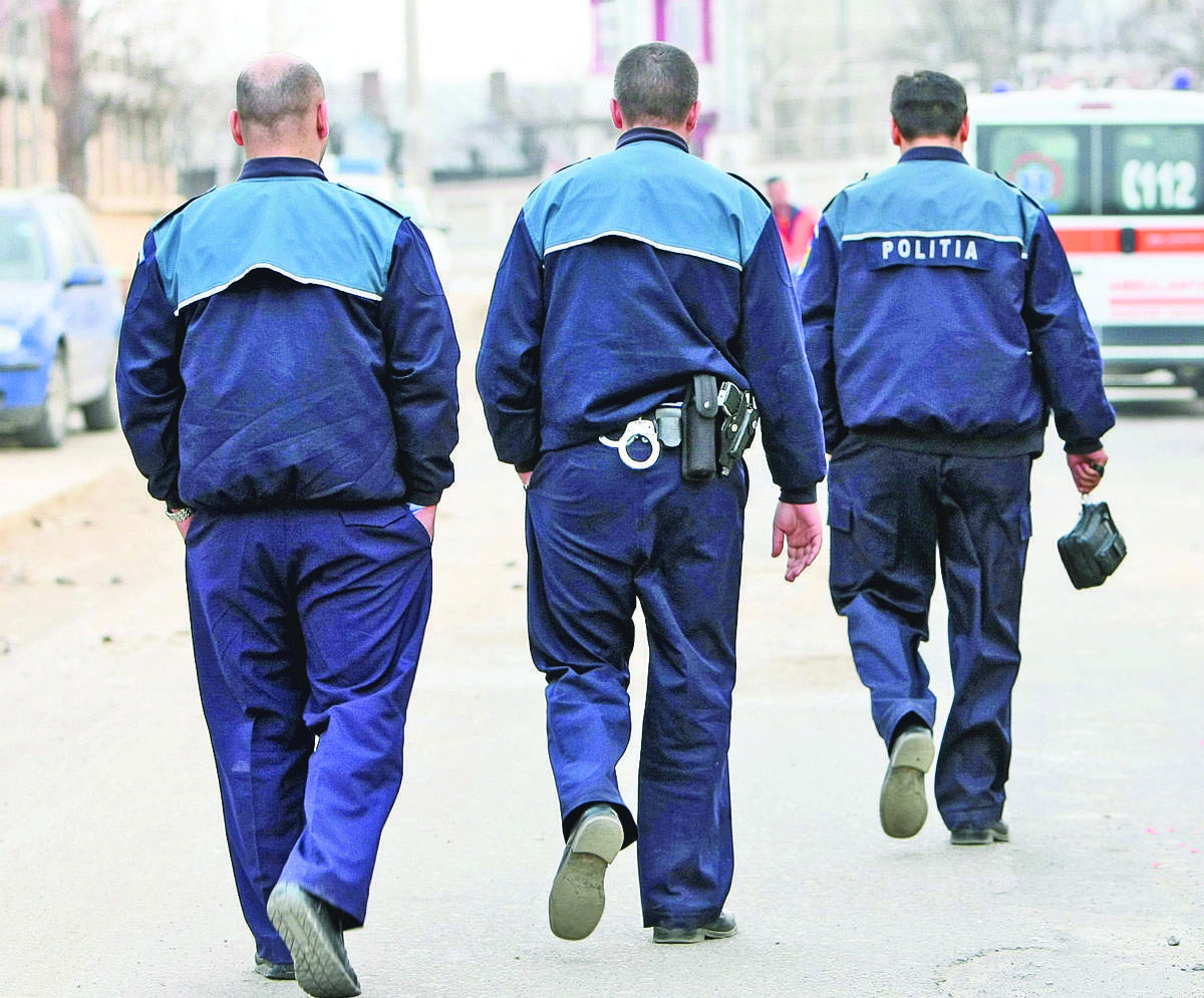 Erou! Un polițist s-a înecat cu șaorma în timpul luării de ostatici din Onești