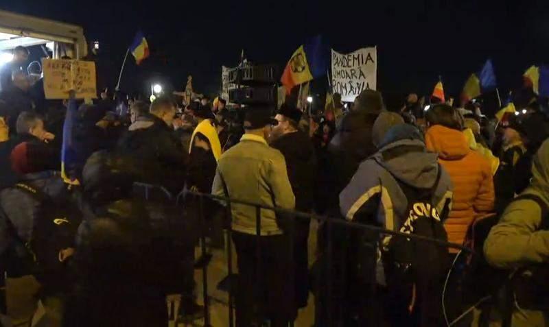 10 lucruri despre protestele anti-restricții