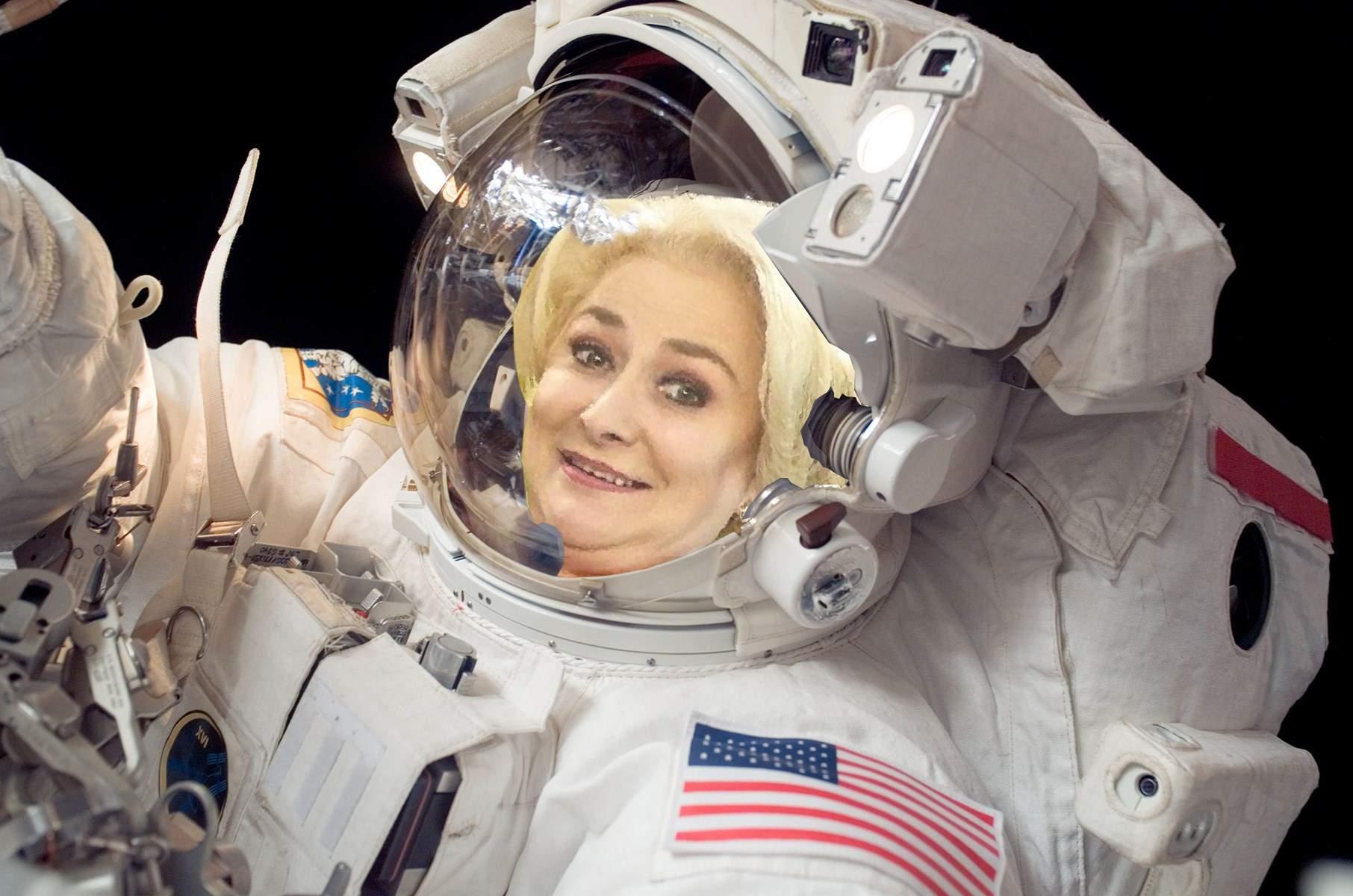 """Dăncilă pleacă de la BNR după doar trei zile. """"Am fost acceptată la NASA!"""""""