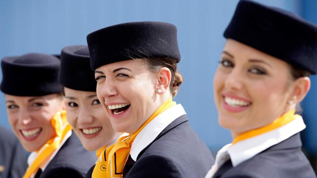 """Lufthansa înlocuiește formula """"Doamnelor şi domnilor"""" cu """"Amețitelor și fătălăilor"""""""