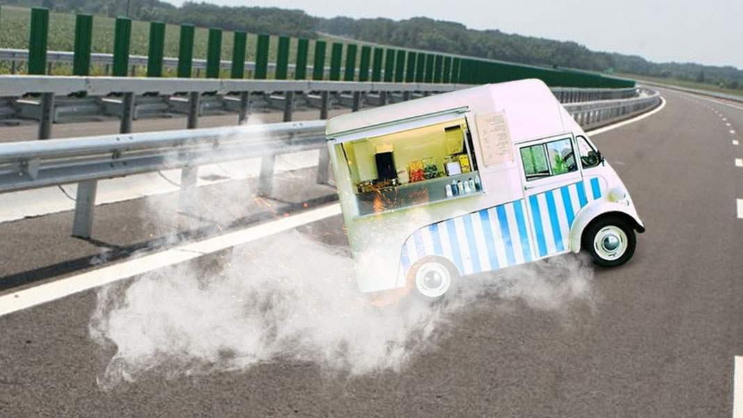 Urmărire ca-n filme! Agenţii OPC au gonit pe A2 după un food truck cu hamsii