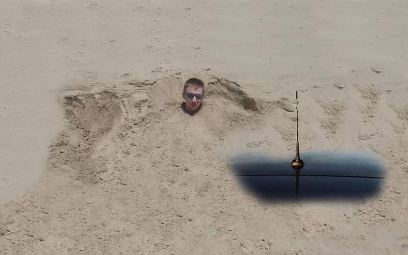 Un cocalar a fost îngropat în nisip cu tot cu BMW-ul cu care venise pe plajă