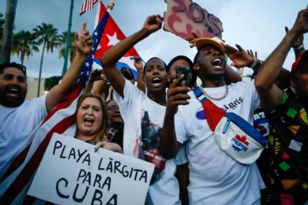 Proteste masive la Havana. Cubanezii cer lărgirea plajei, cum au văzut la Mamaia