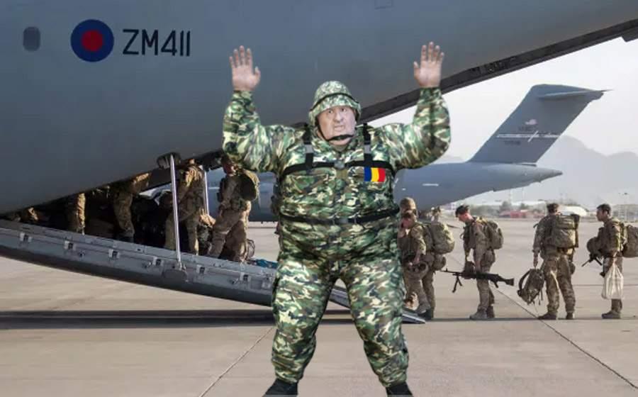 Un general român a rămas în Afganistan fiindcă nu încăpea pe uşa avionului
