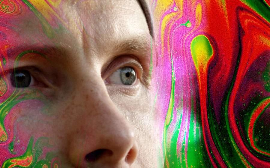Un bărbat care a băgat LSD în Vamă vede şi el creşterea economică de care zicea Cîţu
