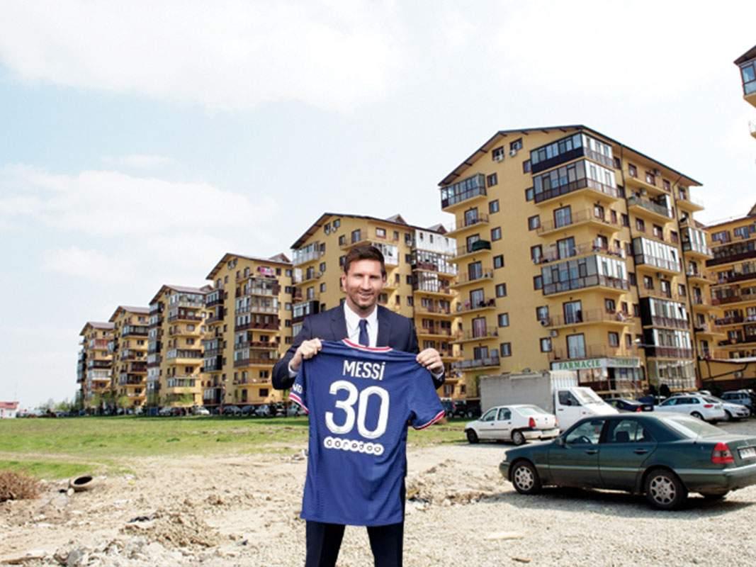 """Messi caută chirie. În Militari s-a umplut de anunțuri: """"Garsonieră la 5 minute de PSG"""""""