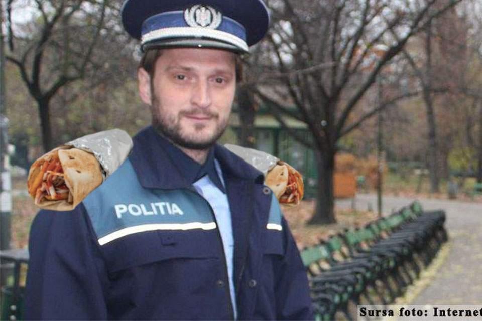 A apărut şaorma cu capse, pe care poliţiştii o pot purta ca epolet