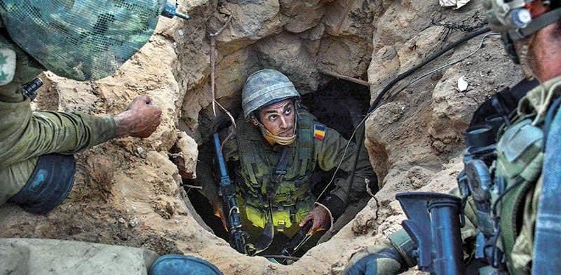 Evacuare încheiată. Ultimii soldaţi români au ieşit din tunelul dacic Kabul-Orăştie