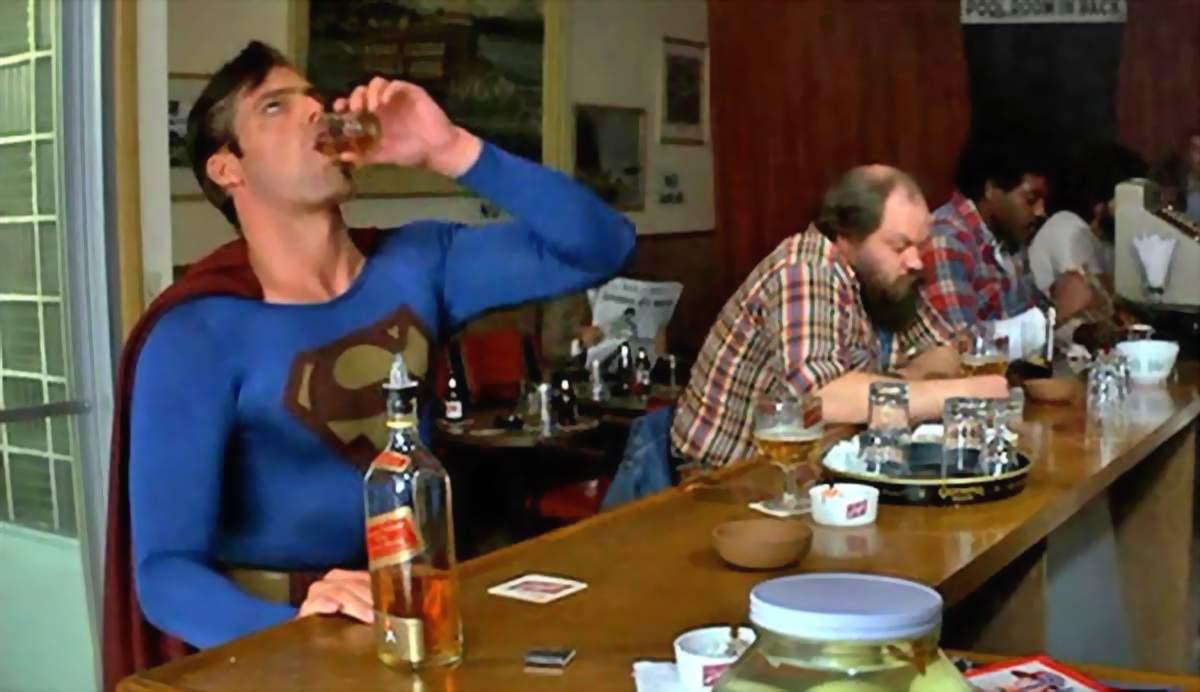 DC Comics, inspiraţi de Cîţu? Noul Superman va fi un beţiv incompetent