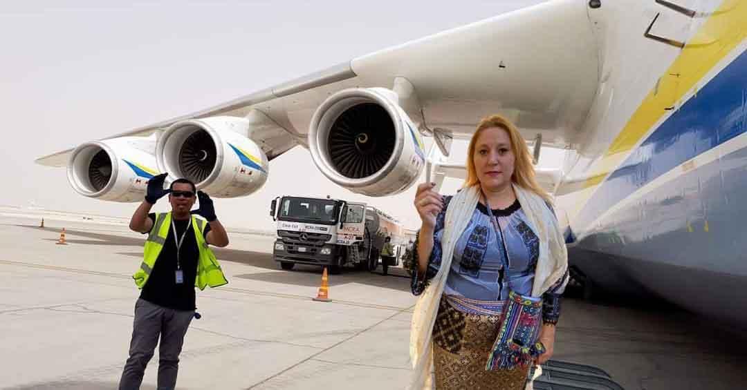 Uriașul avion Antonov se chinuie de 3 ore să decoleze cu Șoșoacă la bord